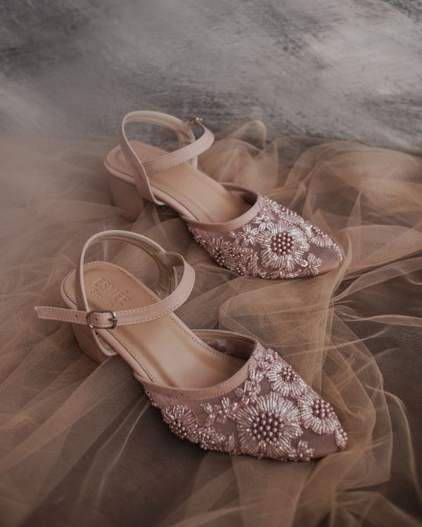 Alina in dusty pink