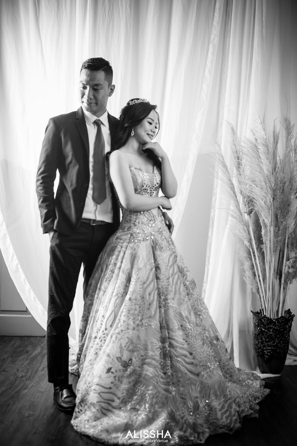 Prewedding Photoshoot Foto Indoor - Outdoor di Alissha