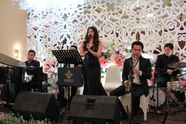 Acoustic Jazz Wedding Entertainment -  Double V Entertainment