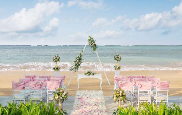 The Laguna Resort - Intimate Romance