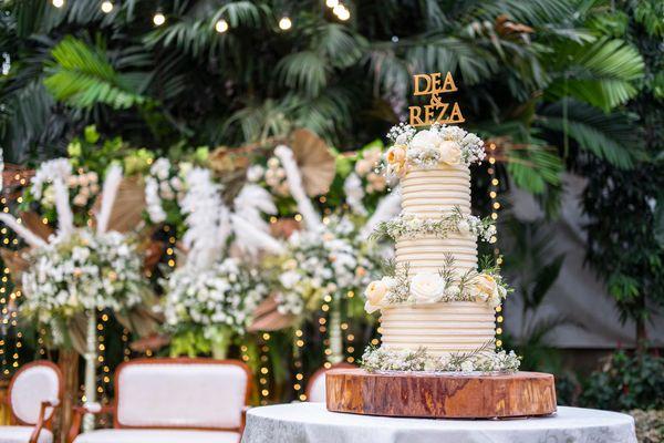Lareia Cake & Co - Wedding Cake 3 Tier C