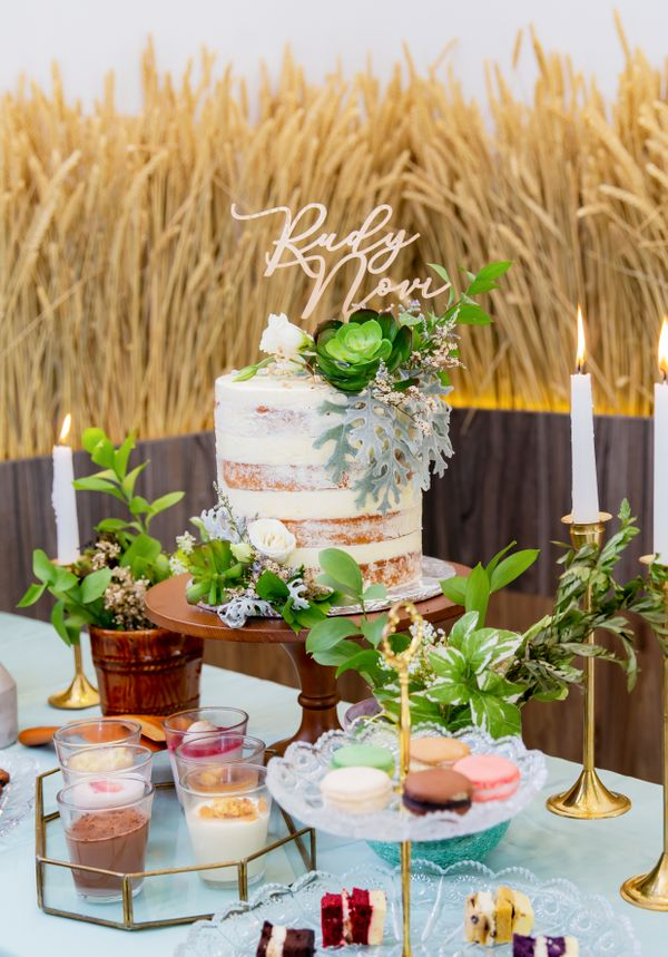 Lareia Cake & Co - Engagement Cake 1 Tier (15x15)