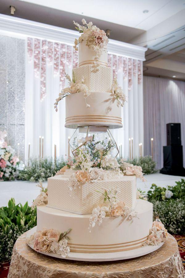 Wedding Cake - CL-106