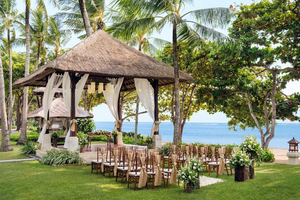 The Laguna Resort & Spa Bali - Iconic Romance Package
