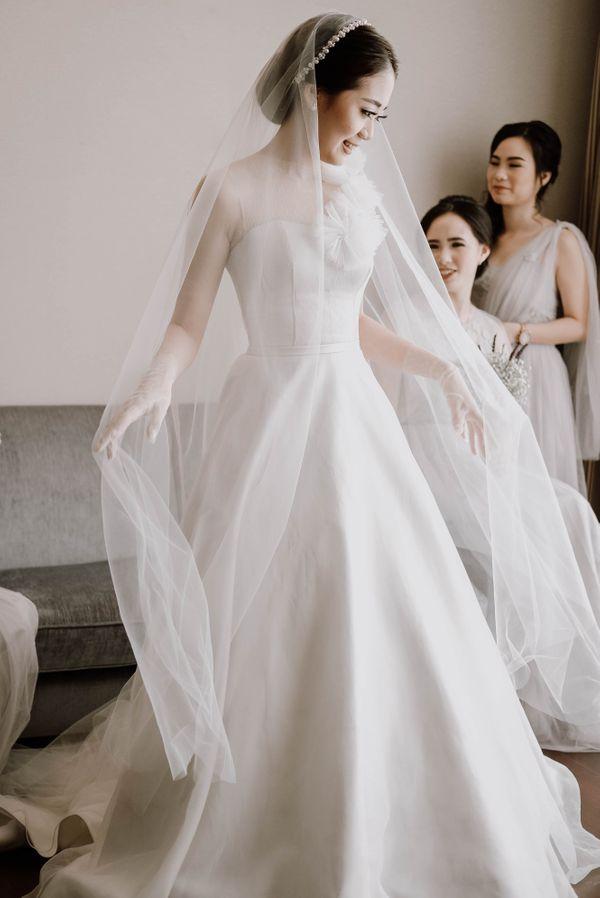 PEONY - Simple Plain Wedding Gown