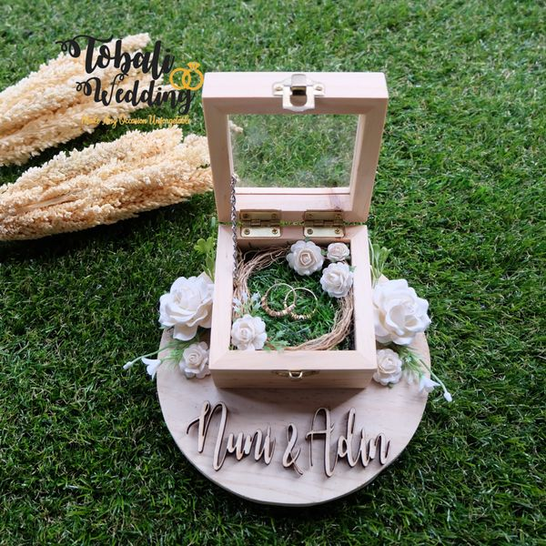 Ringbox Kayu Pinus Square Akrilik White Green