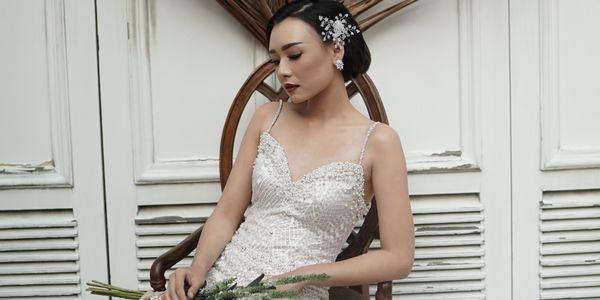 Custom New Wedding Dress + 1 pcs Prewed Dress + hair accessories