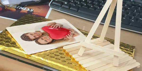 Kartu undangan/pemberitahuan dari kayu terringan di dunia