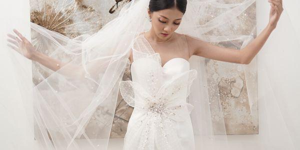Wedding Dress (Ready Rental) + Hair Accessories + Morning Robe