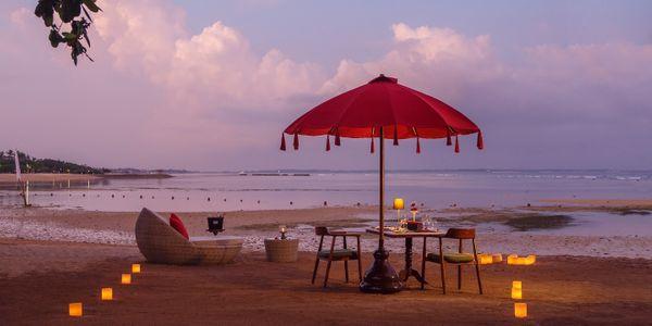 ROMANCE BY THE BEACH