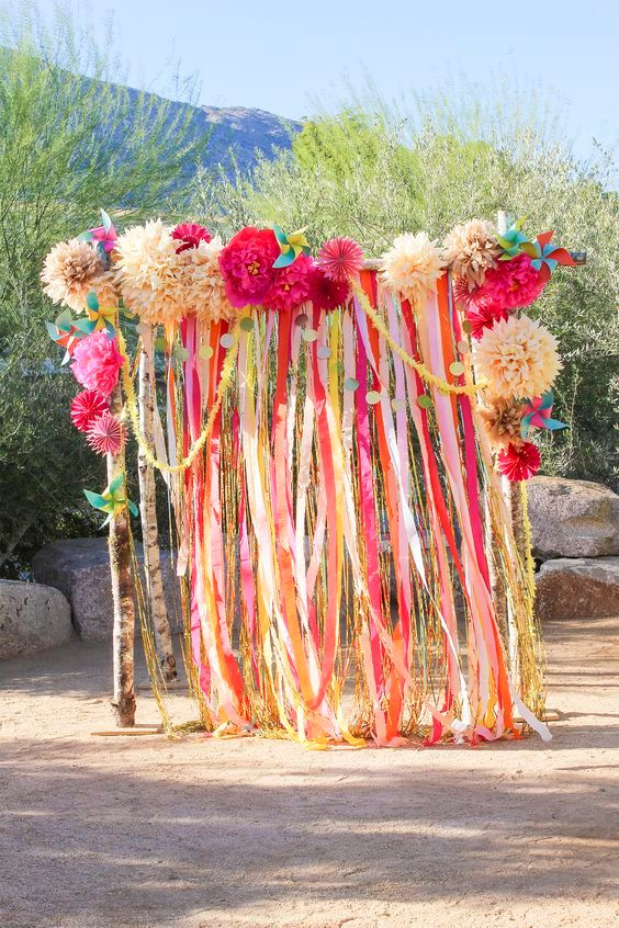 12 Ideas To Create A Gorgeous Photo Booth For Your Clients
