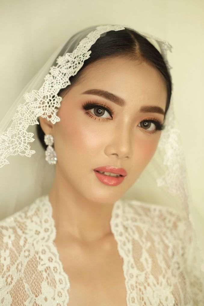 Rekomendasi Perias Pengantin Adat untuk Makeup Tradisional Pernikahan Anda Image 3