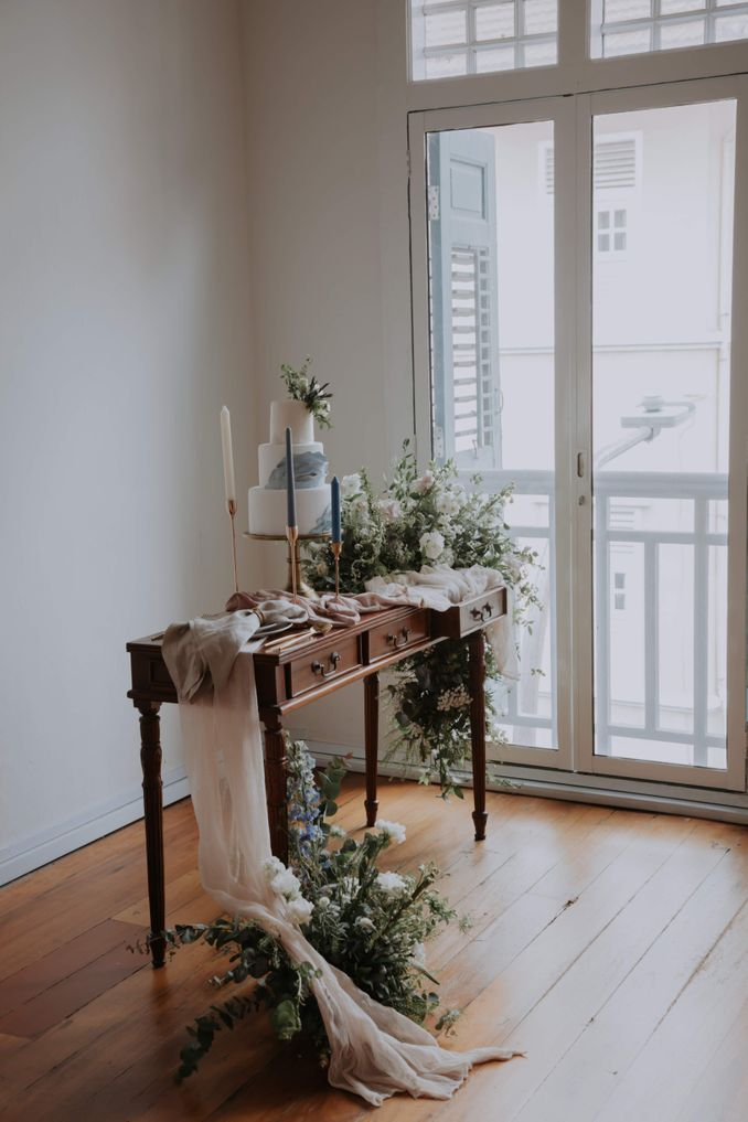 A Romantic Styled Shoot That Breathes Love and Serenity Image 10