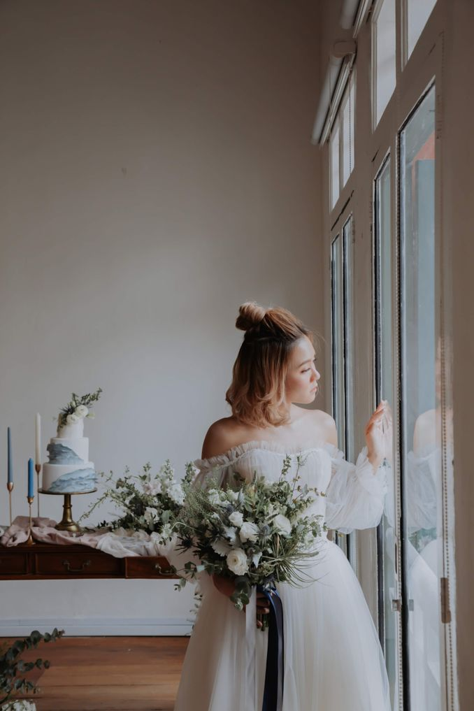 A Romantic Styled Shoot That Breathes Love and Serenity Image 15