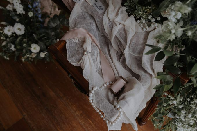 A Romantic Styled Shoot That Breathes Love and Serenity Image 11