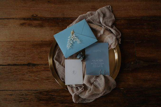 A Romantic Styled Shoot That Breathes Love and Serenity Image 25