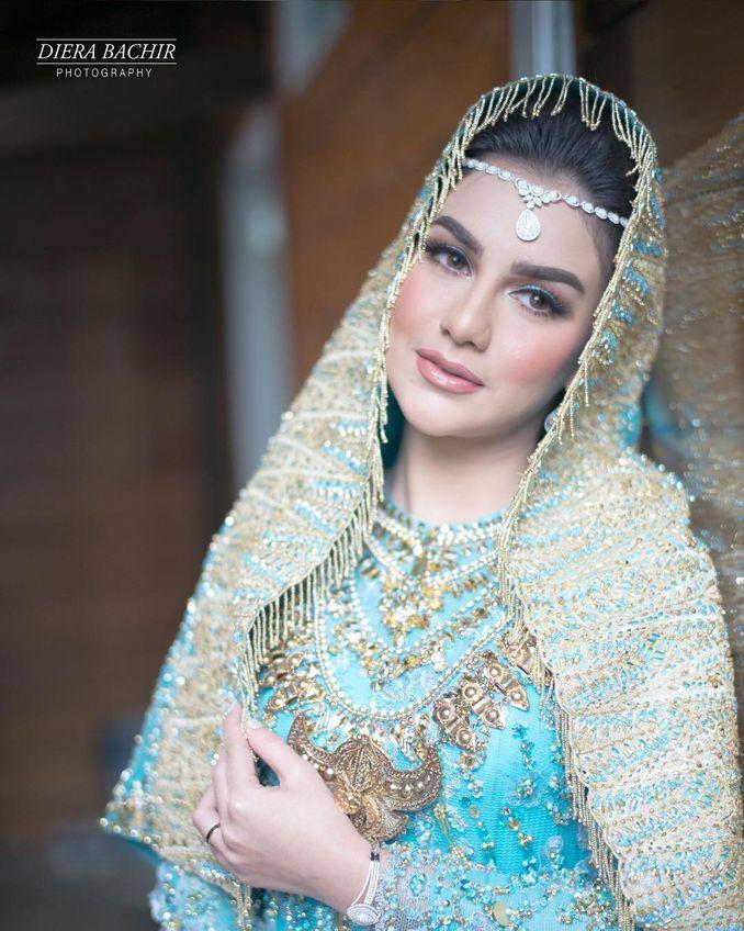 Makna Riasan Dan Atribut Pengantin Minang dari Sumatera Barat Image 2