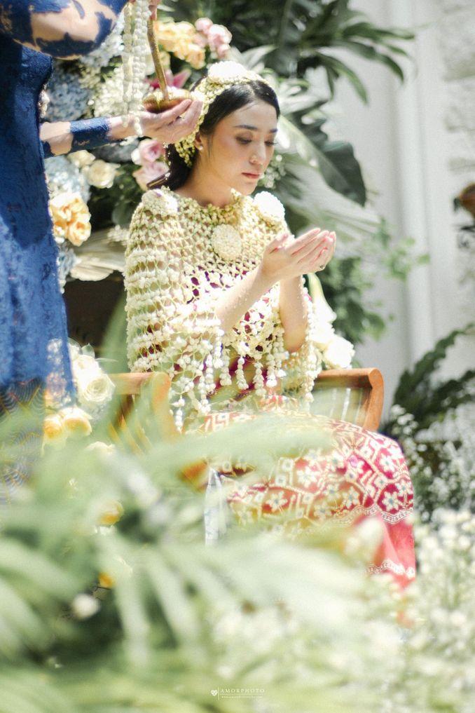Inspirasi Pernikahan di Bawah Budget Rp 50.000.000 : Breezy Rustic Image 9