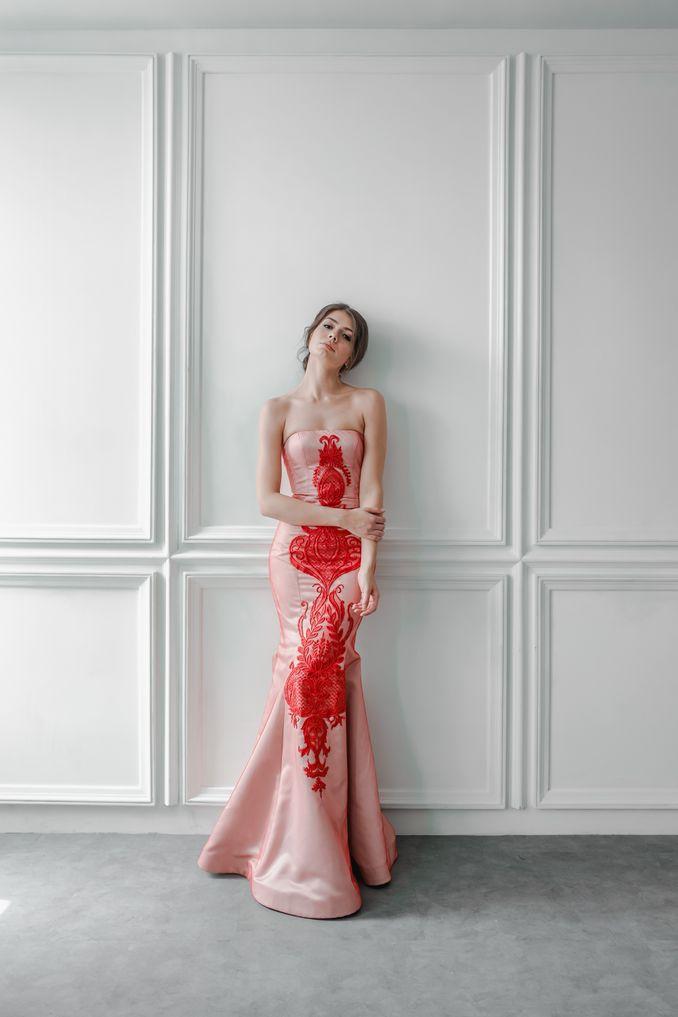 15 Desainer Pilihan untuk Custom dan Sewa Baju Lamaran di Acara Pertunangan Image 5