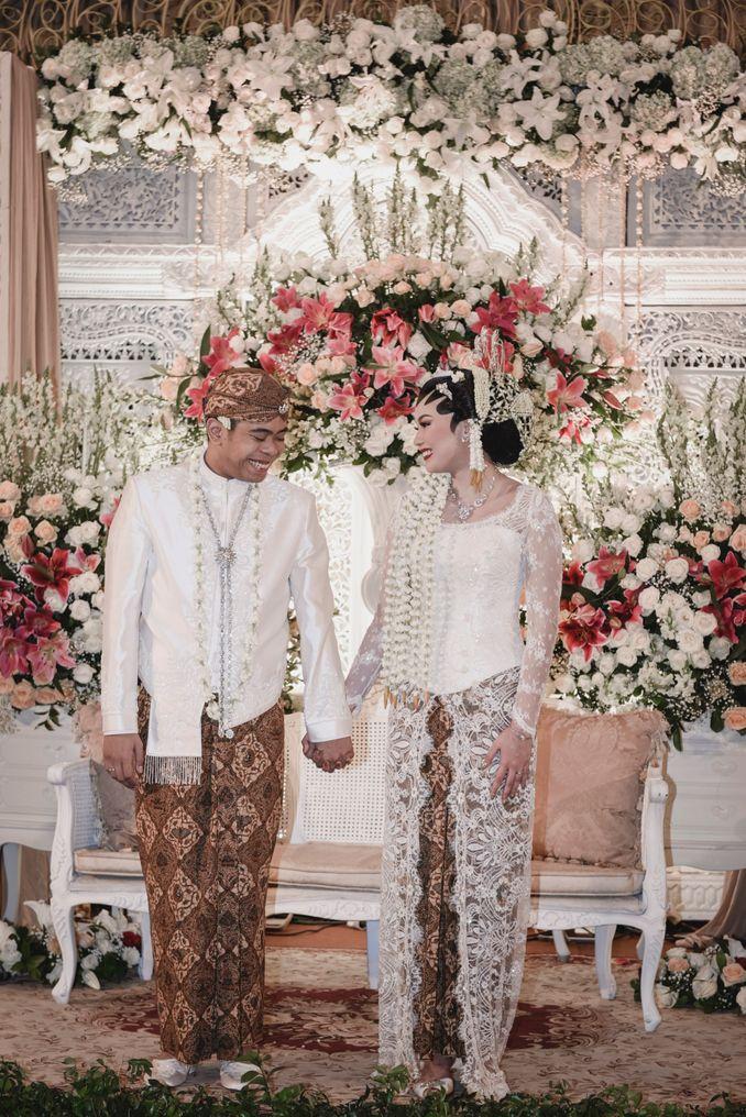 Inspirasi Pernikahan di Bawah Budget Rp 50.000.000 : Breezy Rustic Image 4