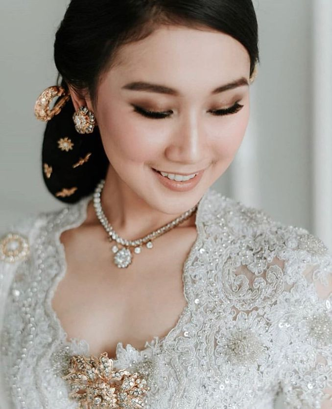 The Bridal Makeup Trend Every 2019 Brides Need to Know Image 5