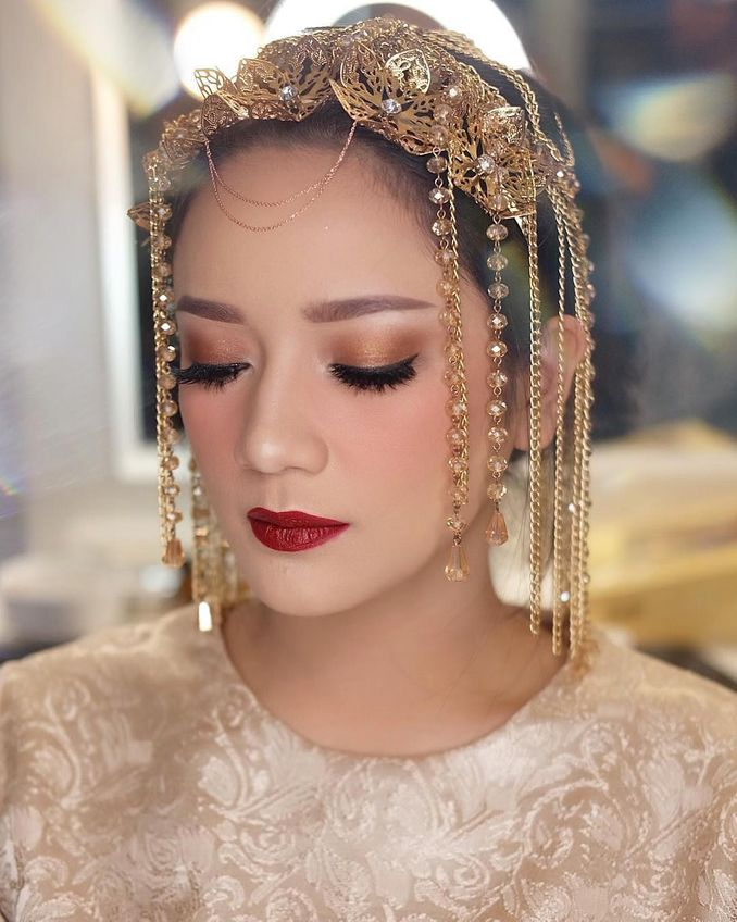 The Bridal Makeup Trend Every 2019 Brides Need to Know Image 6