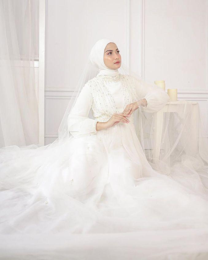 Kebaya Maupun Gaun Pernikahan, Berikut Rekomendasi Tempat Sewa Baju Pengantin Terpercaya Image 9