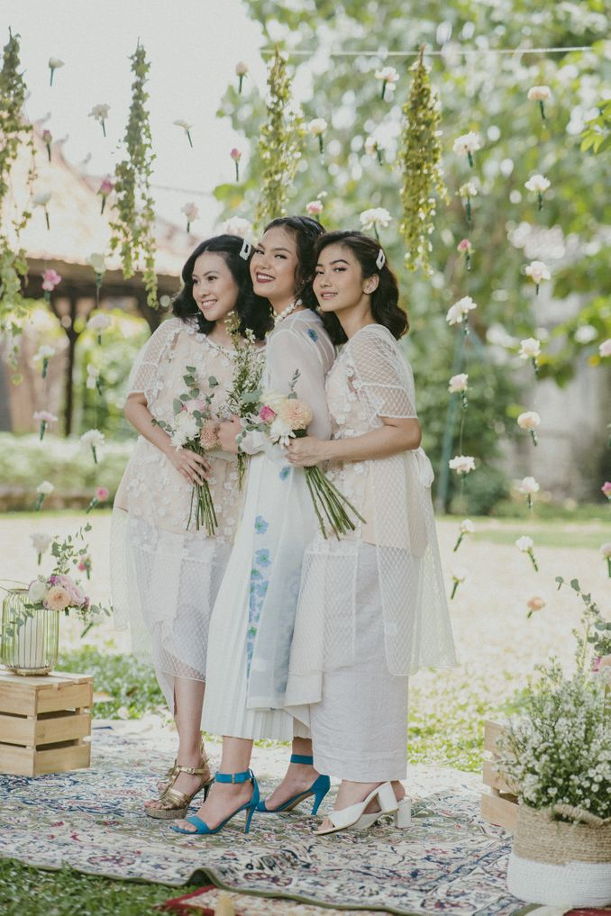 15 Desainer Pilihan untuk Custom dan Sewa Baju Lamaran di Acara Pertunangan Image 1