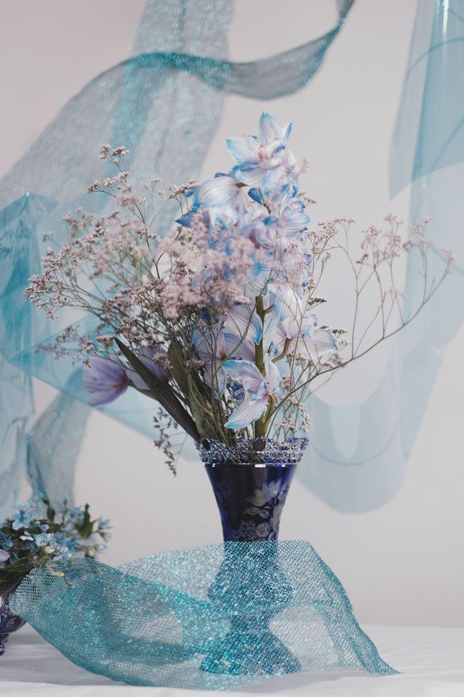 Tren Pernikahan 2020 Reflections Of The Sea: Dekorasi, Bunga, & Kue Pernikahan Image 11