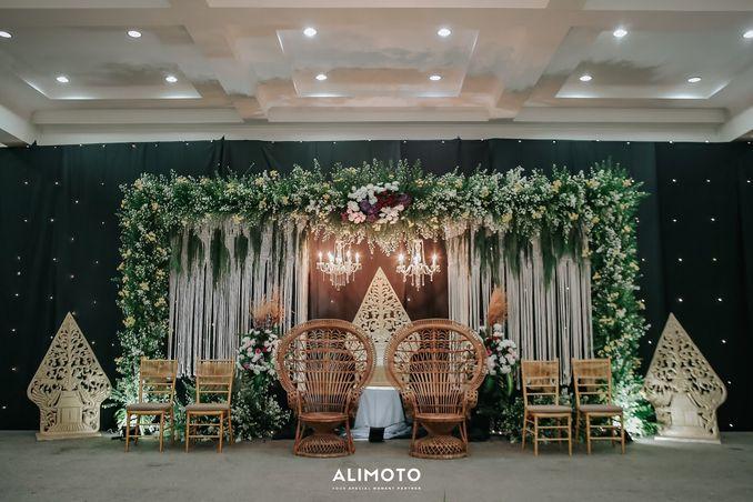 Inspirasi Pernikahan di Bawah Budget Rp 50.000.000 : Breezy Rustic Image 5