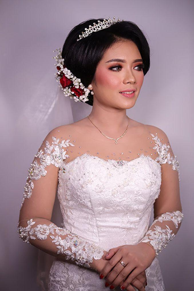 Kebaya Maupun Gaun Pernikahan, Berikut Rekomendasi Tempat Sewa Baju Pengantin Terpercaya Image 11
