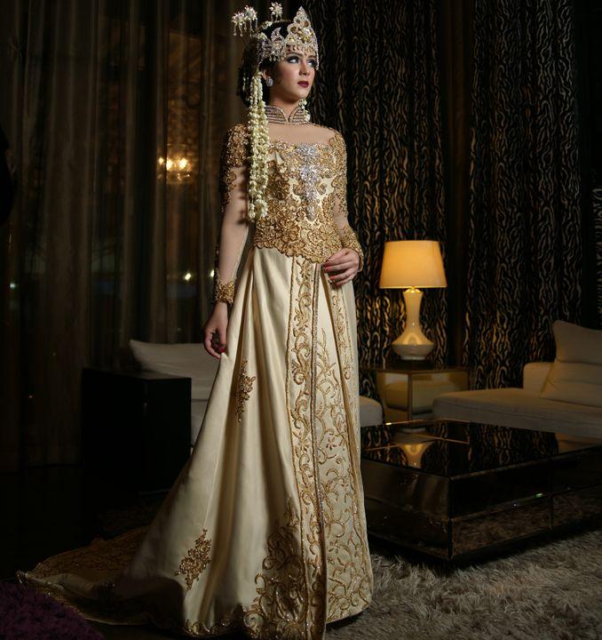 Kebaya Maupun Gaun Pernikahan, Berikut Rekomendasi Tempat Sewa Baju Pengantin Terpercaya Image 7