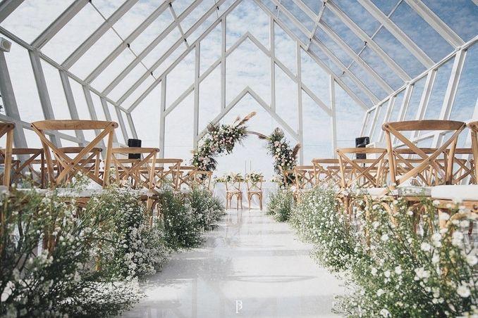 Inspirasi Pernikahan di Bawah Budget Rp 50.000.000 : Modern Elegan Image 6