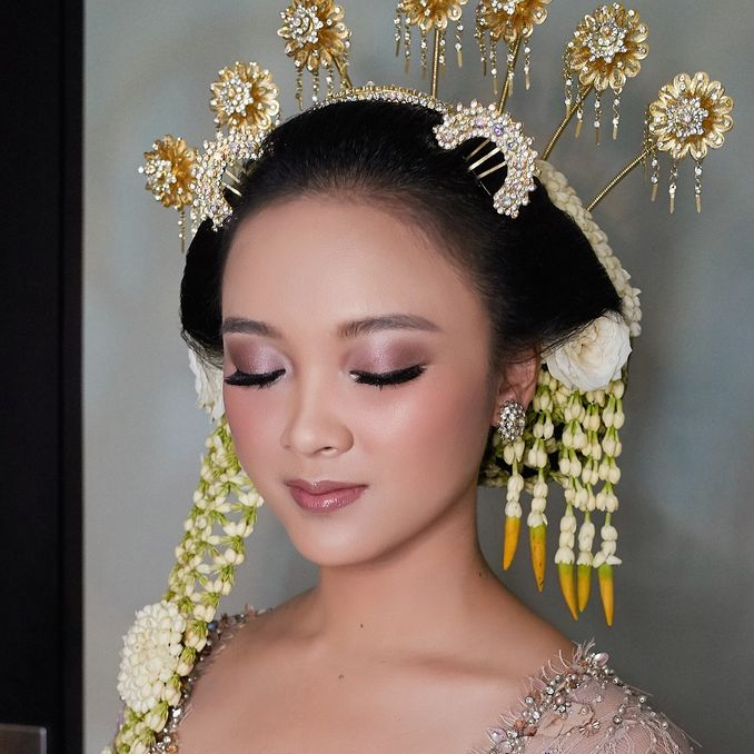 The Bridal Makeup Trend Every 2019 Brides Need to Know Image 1
