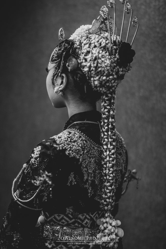 The Divine Meanings of Paes, The Central Javanese Bridal Makeup Image 6