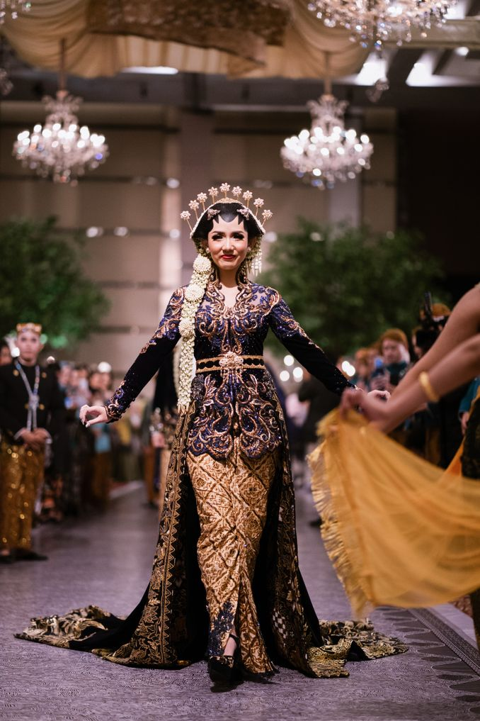 The Divine Meanings of Paes, The Central Javanese Bridal Makeup Image 7