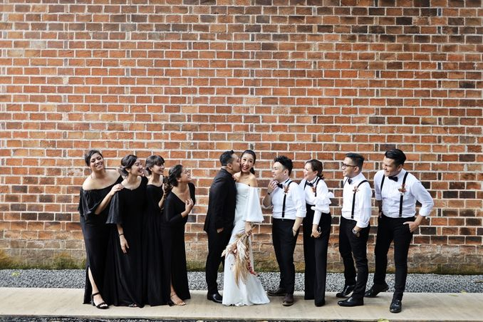 How to Choose Your Bridesmaids and Groomsmen Image 1
