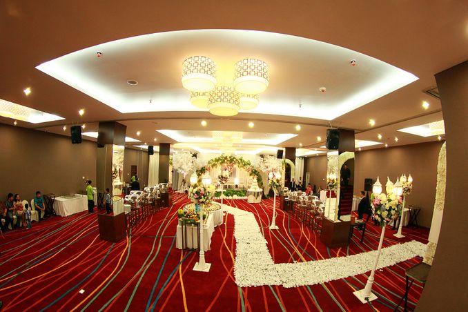 Paket Venue Ballroom Pernikahan di Jakarta di Bawah Rp 200 Juta Image 10