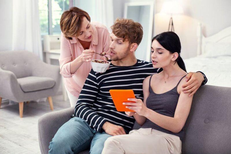 9 Masalah Umum Seputar Mertua Dan Kiat Menghadapinya Bridestory Blog