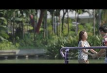 Yixiang & Yuxin // narrative prewedding film // outdoor filming // marina barrage // 2016 by The Next Chapter Film