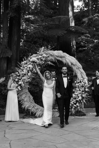 Pernikahan Bintang Twilight Ashley Greene Dan Paul Khoury Di Tengah Hutan - 006