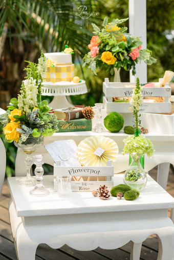 Summer wedding decoration ideas bridestory blog pea and pie summer wedding decoration ideas 003 junglespirit Image collections