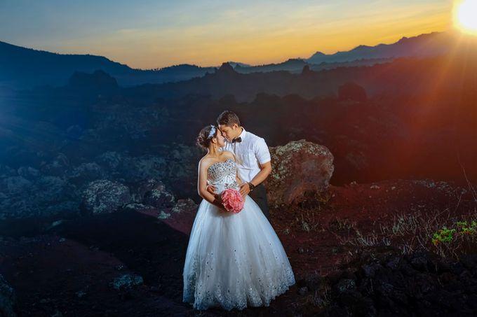 Bali Engagement Portrait by Max.Mix Photograph - 001