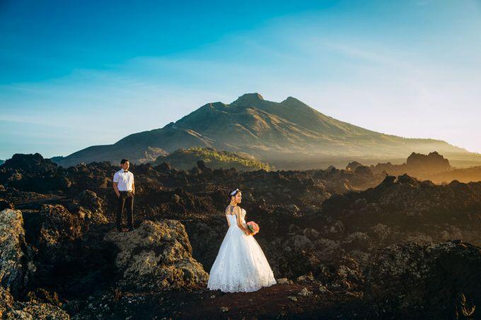 Bali Engagement Portrait by Max.Mix Photograph - 003