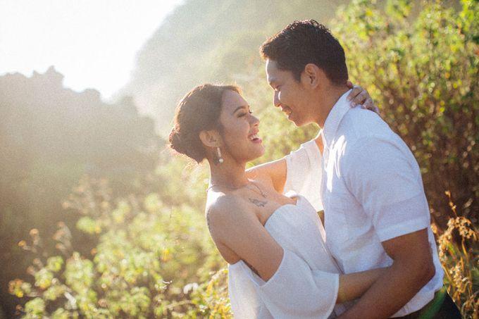 Bali Engagement Portrait by Max.Mix Photograph - 006