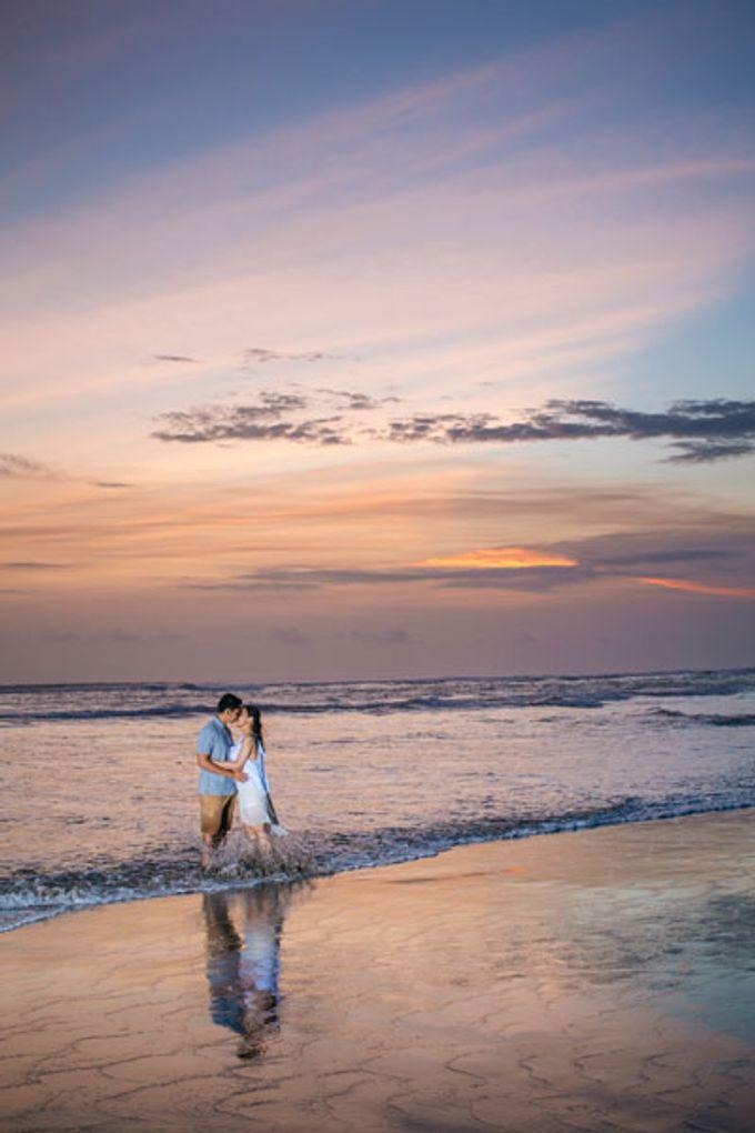 Bali Engagement Portrait by Max.Mix Photograph - 014