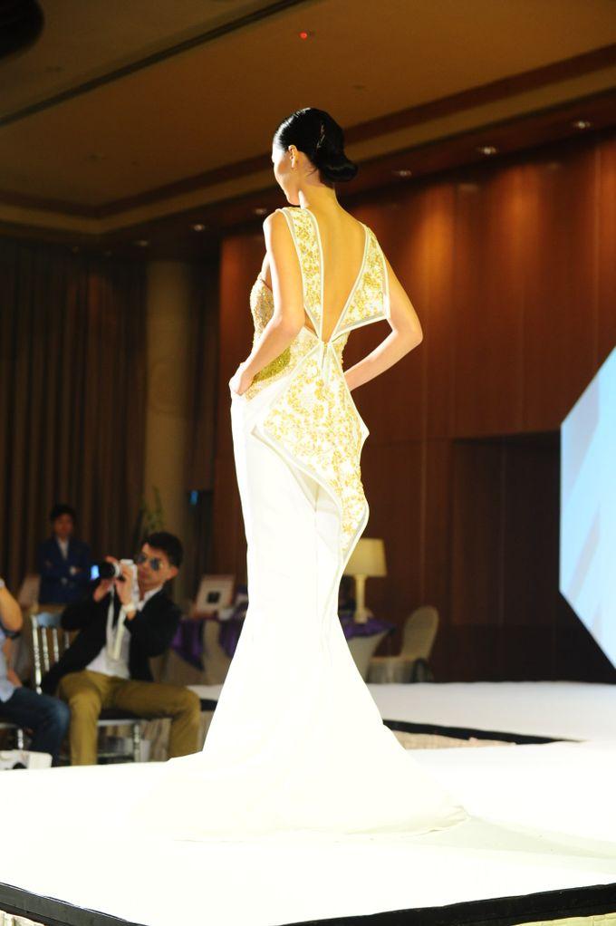 The Ritz Carlton Millenia Haute Couture Show 2015 by Vaughn Tan - 012
