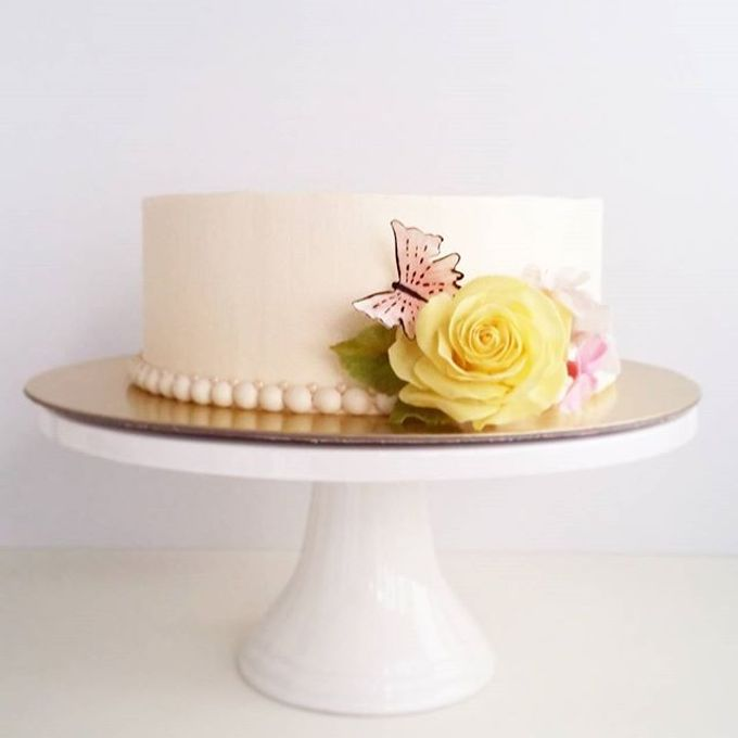 Single tier and multi tiered cakes by Baby Cakes - 012