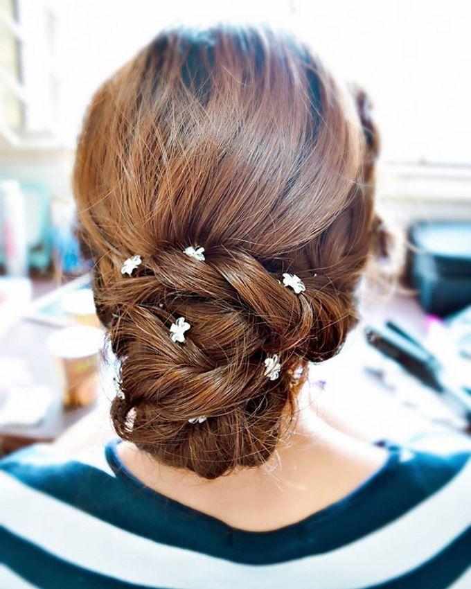 Bun & Chignon Hairstyles by Après Makeup - 013