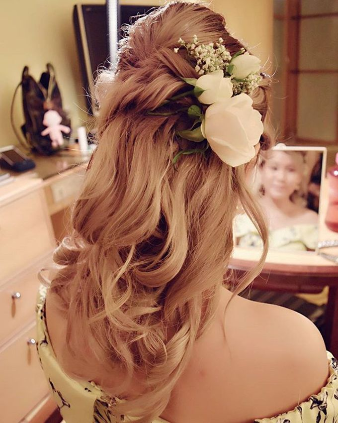 Half Up & Let Down & Pony Bridal Hairstyles by Après Makeup - 010